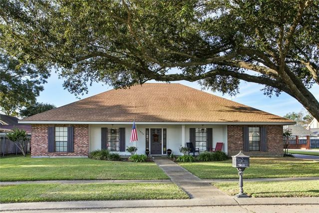 1898 FAUSTINE Court Lutcher, LA 70071
