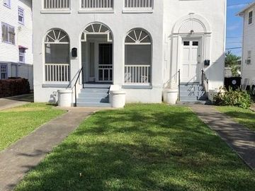 3537 LOUISIANA AVENUE Parkway New Orleans, LA 70125