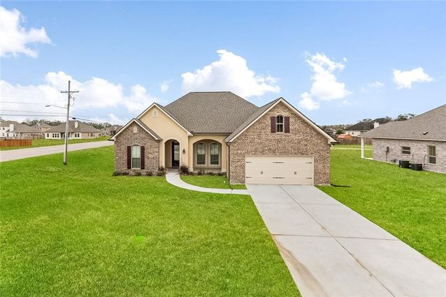 9521 SUGAR MAPLE Lane Waggaman, LA 70094