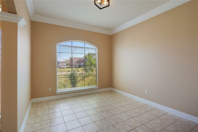 2309 COUNTRY CLUB Drive - Photo 3