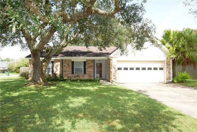 139 GOLDEN WOOD Drive Slidell, LA 70461