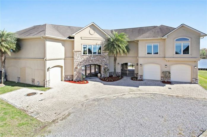 121 KERRY'S POINTE EAST Des Allemands, LA 70030