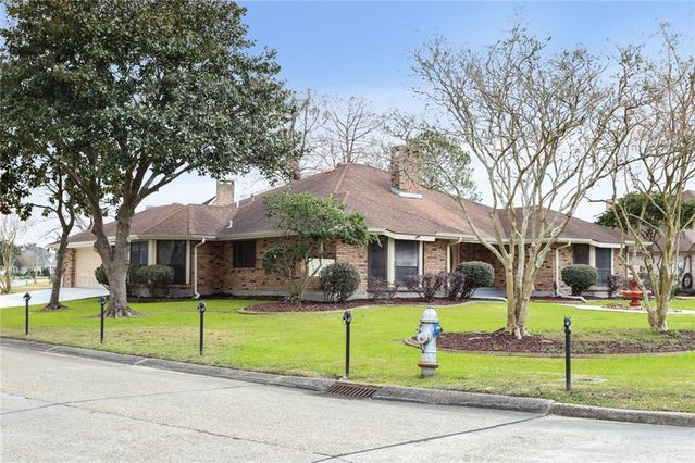 3501 LAKE DES ALLEMANDS Drive - Photo 2