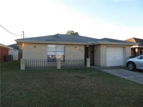 904 CLEARY Avenue Metairie, LA 70001