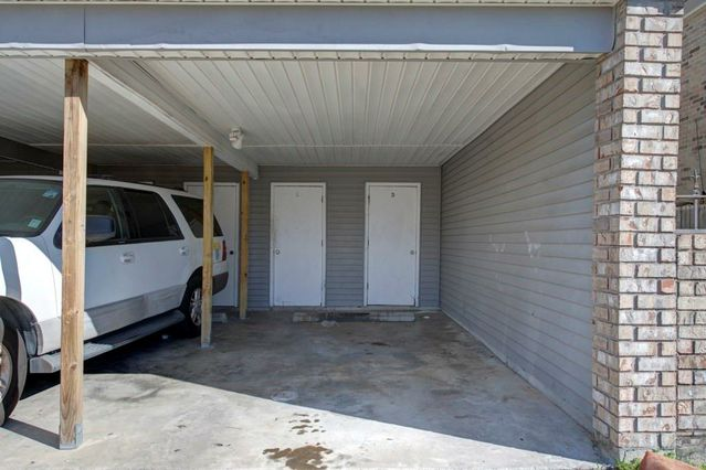 636 VOURAY Drive D - Photo 2