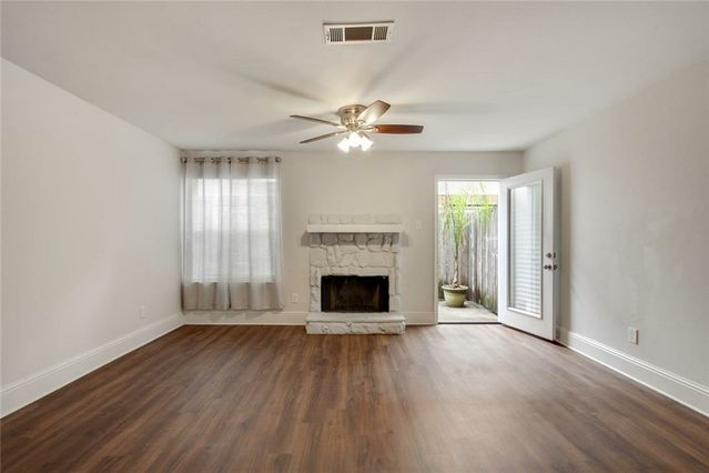 205 CLEARVIEW Parkway C - Photo 3