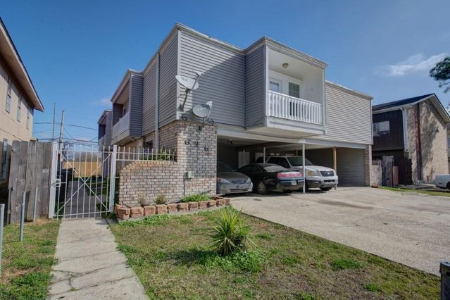 636 VOURAY Drive A Kenner, LA 70065
