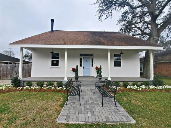 113 BRENTWOOD Drive Belle Chasse, LA 70037