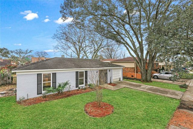 3578 SOMERSET Drive New Orleans, LA 70131