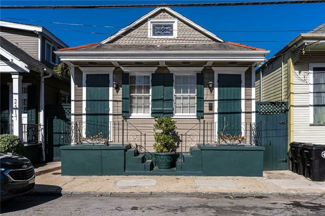 2515-17 CHARTRES Street - Photo 2