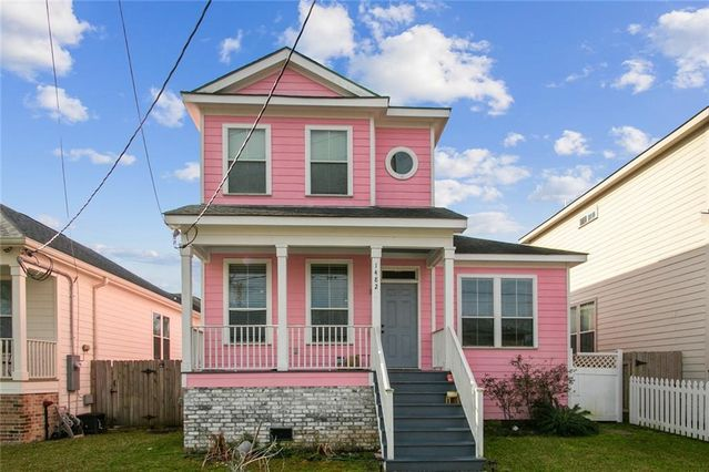 1482 WAKEFIELD Place New Orleans, LA 70122