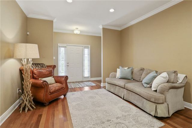 704 OLD METAIRIE Place - Photo 3