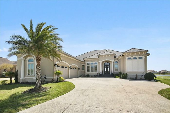 2248 SUNSET Boulevard Slidell, LA 70461