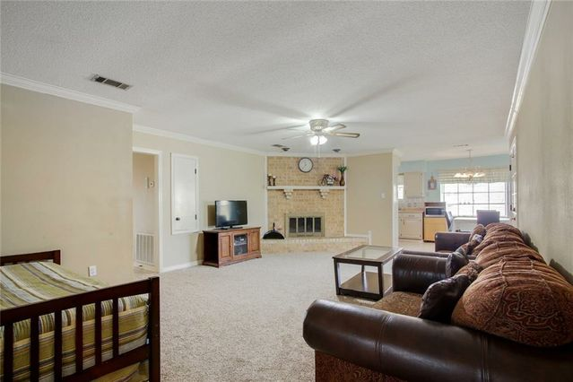 10 MOSELLE Drive - Photo 3