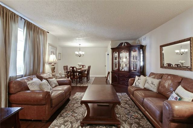 3741 PLYMOUTH Place - Photo 3
