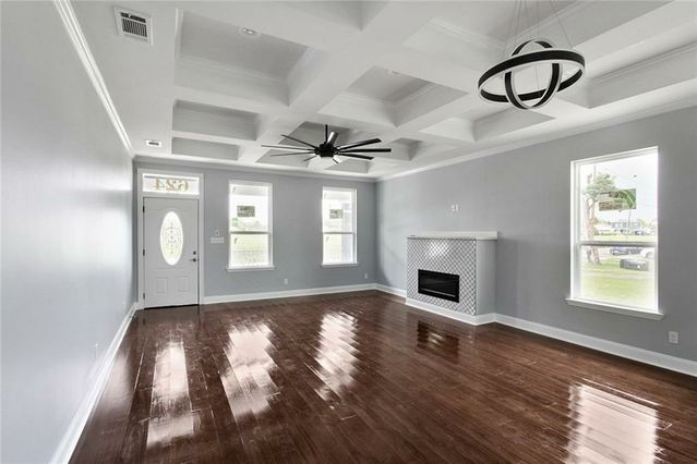 624 THAYER Street - Photo 2