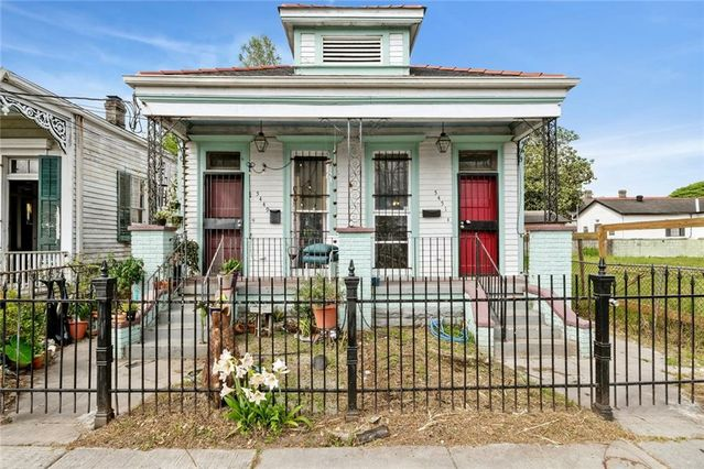 5449-51 CHARTRES Street New Orleans, LA 70117