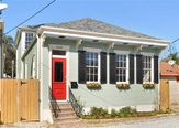 5249 ANNUNCIATION ST New Orleans, LA 70115