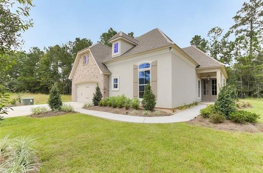 136 NATCHEZ CT Covington, LA 70433 - Image 1