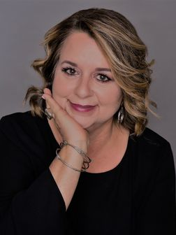 Angie Guidry Moorman, Real Estate Agent