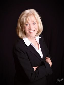 Suzanne Ebbert, Real Estate Agent