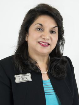 Poonam Oberoi, Real Estate Agent